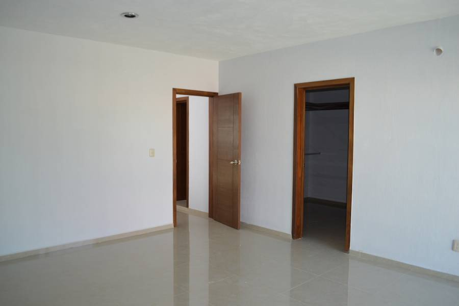 Zapopan, Jalisco, Mexico, 3 Bedrooms Bedrooms, ,2 BathroomsBathrooms,Casas,Venta,Valle Imperial Coto encinos,41249