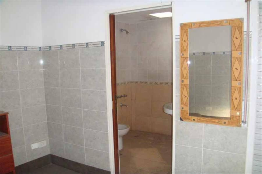 La Matanza, Buenos Aires, Argentina, 3 Bedrooms Bedrooms, ,1 BañoBathrooms,Casas,Venta,palacios,41321