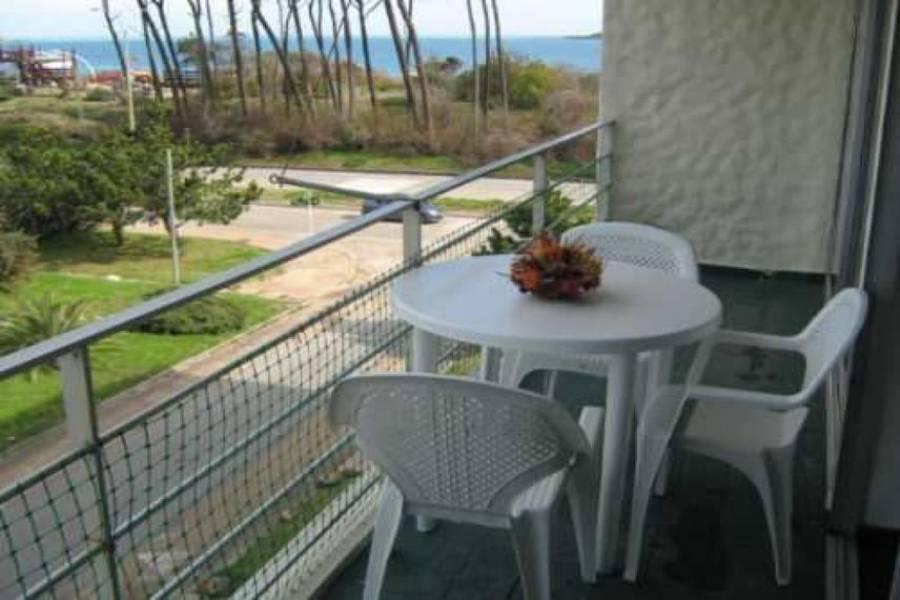 PUNTA DEL ESTE, Maldonado, Uruguay, 2 Bedrooms Bedrooms, ,1 BañoBathrooms,Apartamentos,Venta,41388