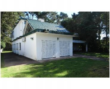 Maldonado, Uruguay, 4 Bedrooms Bedrooms, ,3 BathroomsBathrooms,Casas,Venta,41396