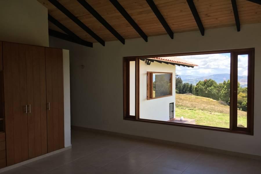 IMPERDIBLE! VER INFO..., 3 Bedrooms Bedrooms, ,3 BathroomsBathrooms,Fincas-Villas,Venta,41404