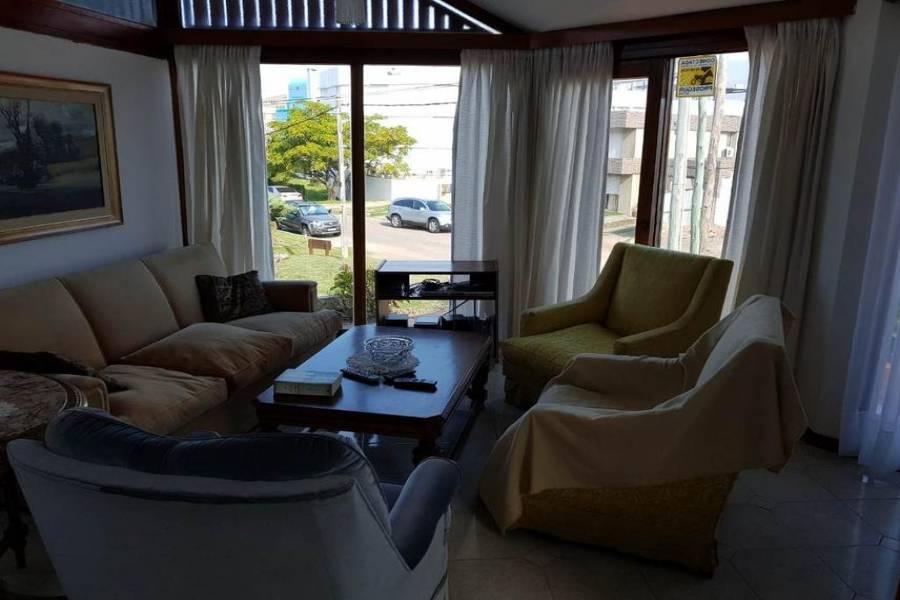 Maldonado, Uruguay, 3 Bedrooms Bedrooms, ,2 BathroomsBathrooms,Casas,Venta,41407