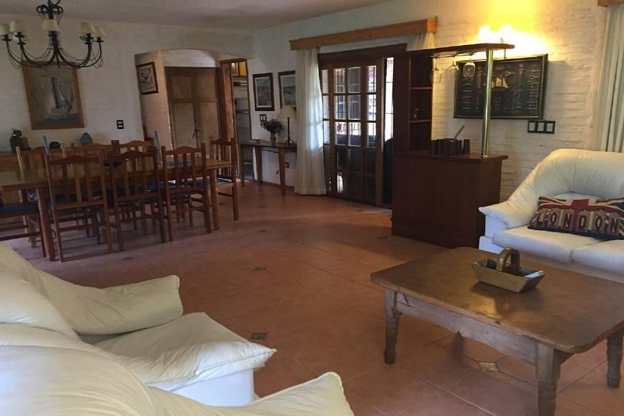 Maldonado, Uruguay, 5 Bedrooms Bedrooms, ,3 BathroomsBathrooms,Casas,Venta,41410