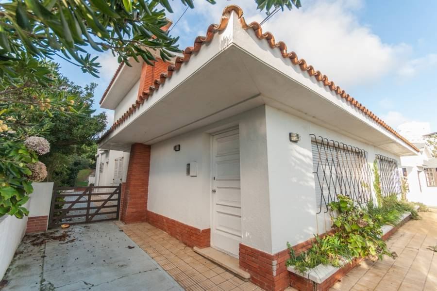 punta del este, Maldonado, Uruguay, 4 Bedrooms Bedrooms, ,2 BathroomsBathrooms,Apartamentos,Venta,41421