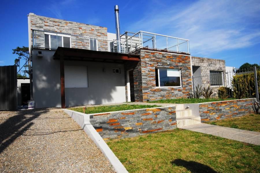Punta del Este, Maldonado, Uruguay, 3 Bedrooms Bedrooms, ,3 BathroomsBathrooms,Casas,Temporario,41451