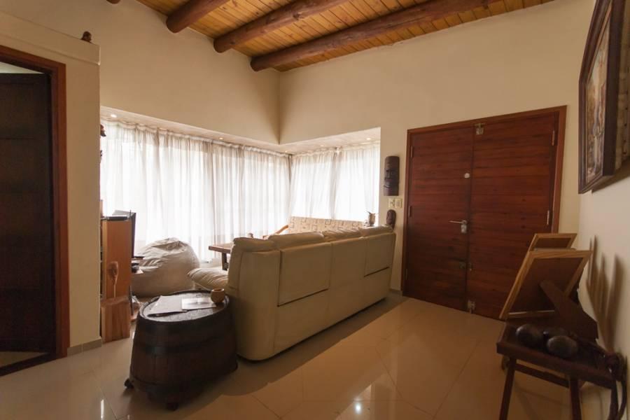 Punta del Este, Maldonado, Uruguay, 3 Bedrooms Bedrooms, ,2 BathroomsBathrooms,Casas,Temporario,41463
