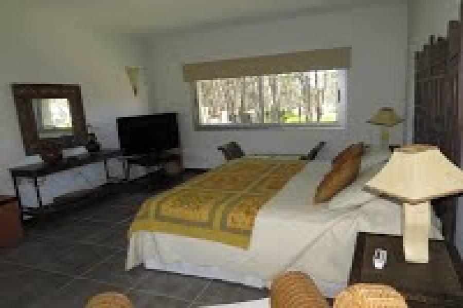 Punta del Este, Maldonado, Uruguay, 6 Bedrooms Bedrooms, ,6 BathroomsBathrooms,Casas,Temporario,41465
