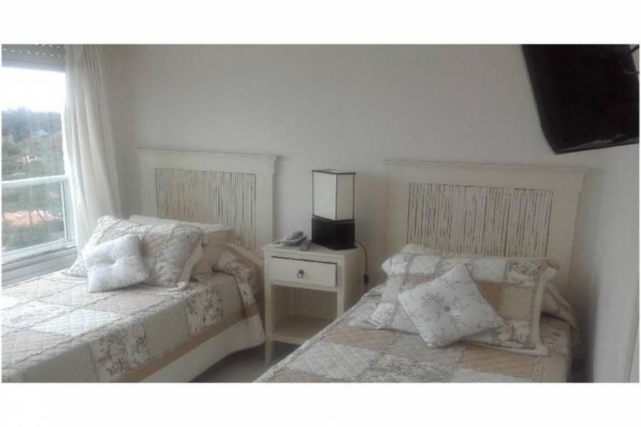 Punta del Este, Maldonado, Uruguay, 3 Bedrooms Bedrooms, ,3 BathroomsBathrooms,Apartamentos,Venta,41480