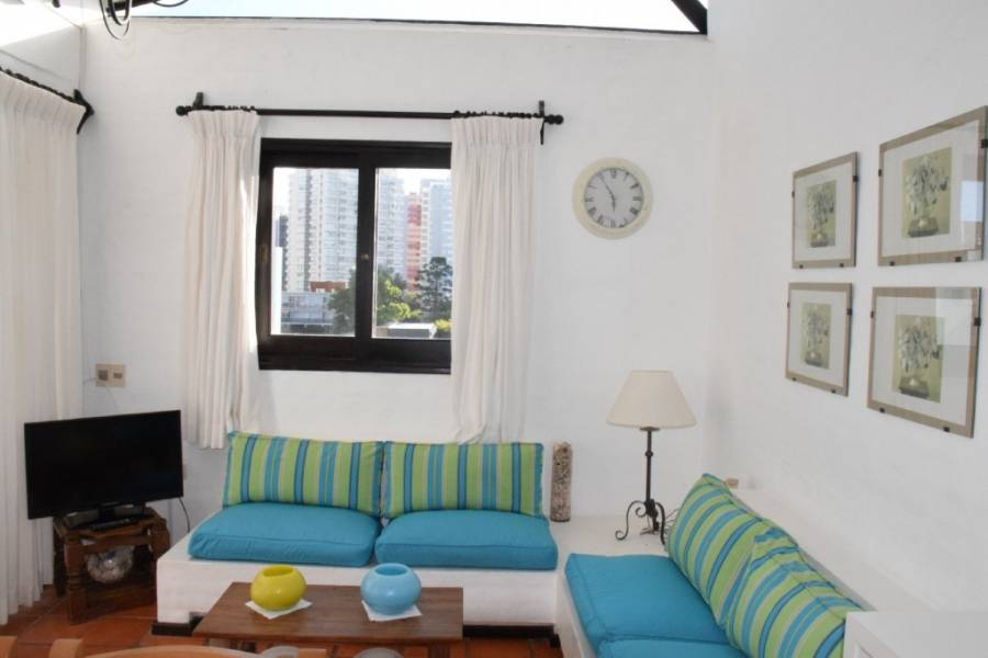 Punta del Este, Maldonado, Uruguay, 2 Bedrooms Bedrooms, ,2 BathroomsBathrooms,Apartamentos,Venta,41531