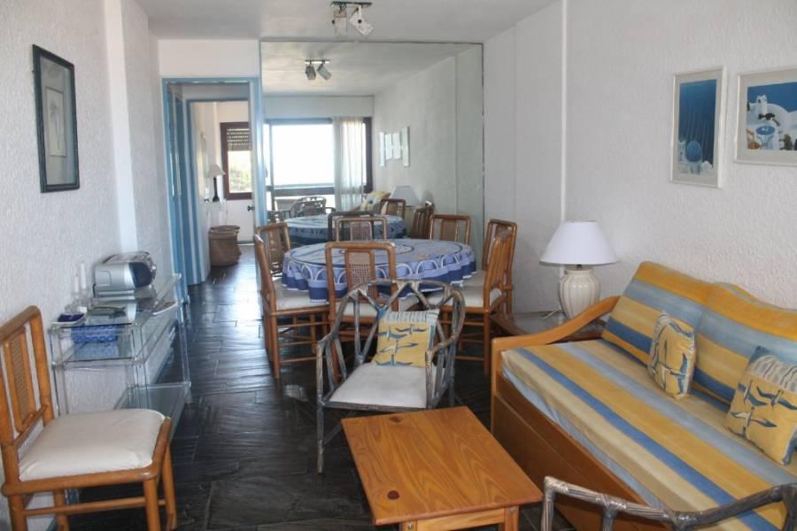 Punta del Este, Maldonado, Uruguay, 2 Bedrooms Bedrooms, ,2 BathroomsBathrooms,Apartamentos,Venta,41543