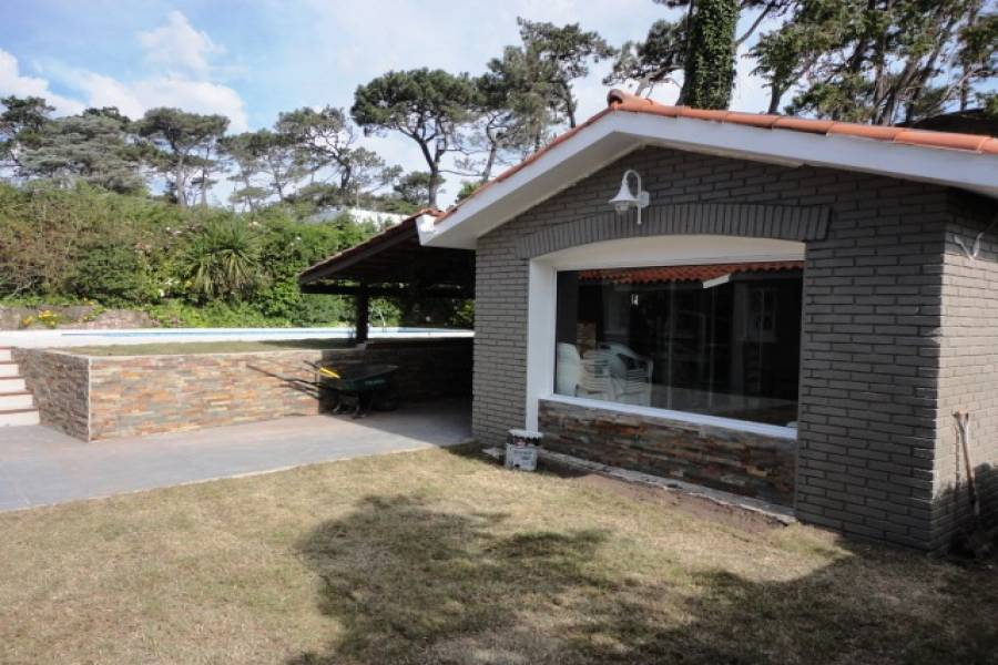 Punta del Este, Maldonado, Uruguay, 3 Bedrooms Bedrooms, ,3 BathroomsBathrooms,Casas,Temporario,41561