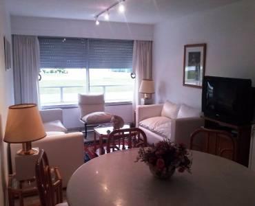 Punta del Este, Maldonado, Uruguay, 2 Bedrooms Bedrooms, ,2 BathroomsBathrooms,Apartamentos,Venta,41566