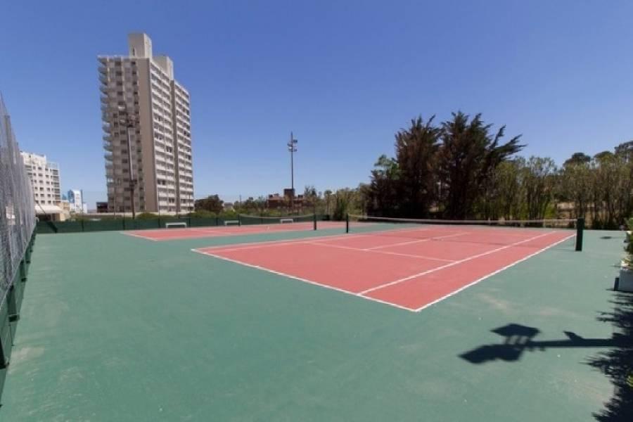 Punta del Este, Maldonado, Uruguay, 2 Bedrooms Bedrooms, ,2 BathroomsBathrooms,Apartamentos,Venta,41567