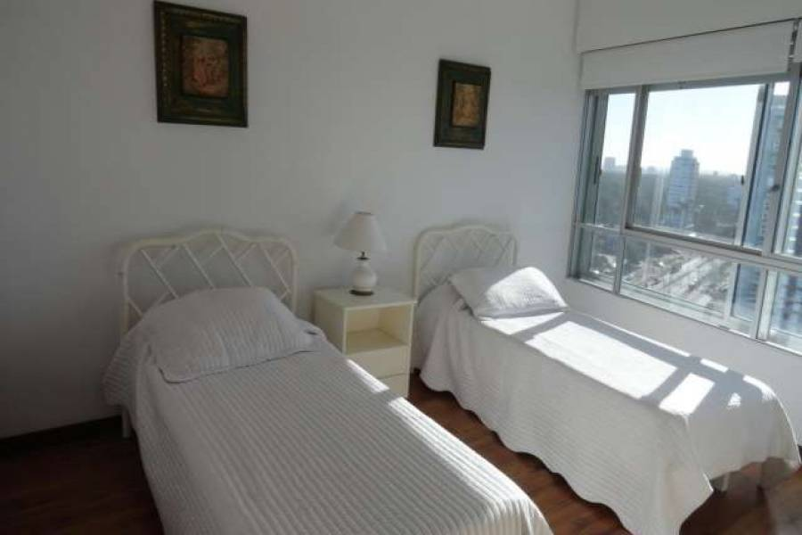 Punta de Este, Maldonado, Uruguay, 2 Bedrooms Bedrooms, ,2 BathroomsBathrooms,Apartamentos,Venta,41575