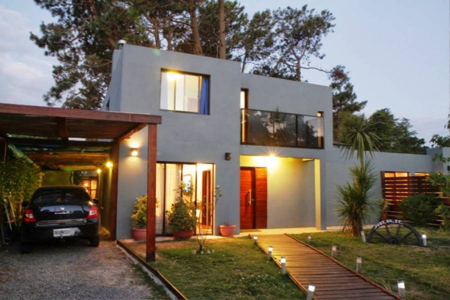 Punta del Este, Maldonado, Uruguay, 4 Bedrooms Bedrooms, ,3 BathroomsBathrooms,Casas,Temporario,41611