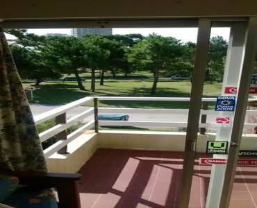 Punta del Este, Maldonado, Uruguay, 2 Bedrooms Bedrooms, ,1 BañoBathrooms,Apartamentos,Venta,41631