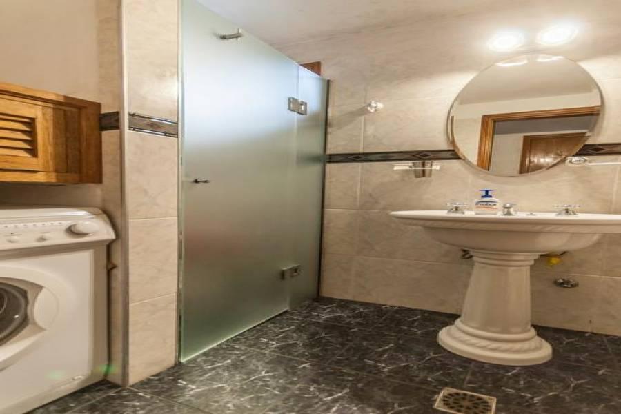 PUNTA DEL ESTE, Maldonado, Uruguay, 4 Bedrooms Bedrooms, ,2 BathroomsBathrooms,Casas,Venta,41649