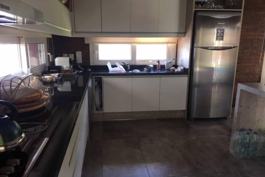 Punta del Este, Maldonado, Uruguay, 4 Bedrooms Bedrooms, ,3 BathroomsBathrooms,Casas,Venta,41651