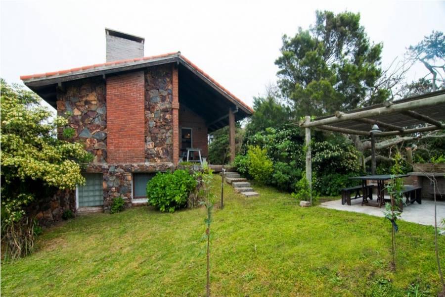 Punta del Este, Maldonado, Uruguay, 4 Bedrooms Bedrooms, ,2 BathroomsBathrooms,Casas,Temporario,41657