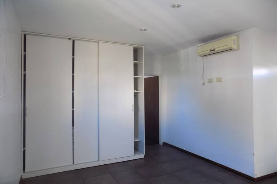 Capital Federal, Buenos Aires, Argentina, 2 Bedrooms Bedrooms, ,2 BathroomsBathrooms,PH Tipo Casa,Venta,Pasco,2,41661