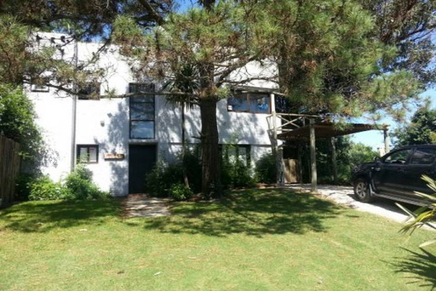 Punta del Este, Maldonado, Uruguay, 4 Bedrooms Bedrooms, ,3 BathroomsBathrooms,Casas,Temporario,41675