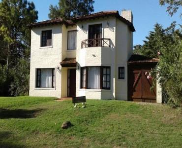 Maldonado, Uruguay, 3 Bedrooms Bedrooms, ,3 BathroomsBathrooms,Casas,Venta,41681