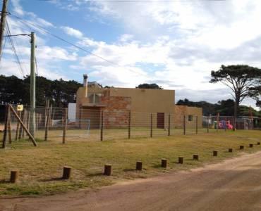 Punta del este, Maldonado, Uruguay, 3 Bedrooms Bedrooms, ,3 BathroomsBathrooms,Casas,Temporario,41686
