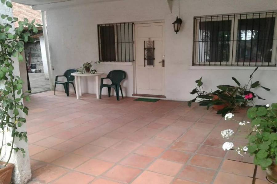 IMPERDIBLE! VER INFO..., 3 Bedrooms Bedrooms, ,2 BathroomsBathrooms,Casas,Venta,41689