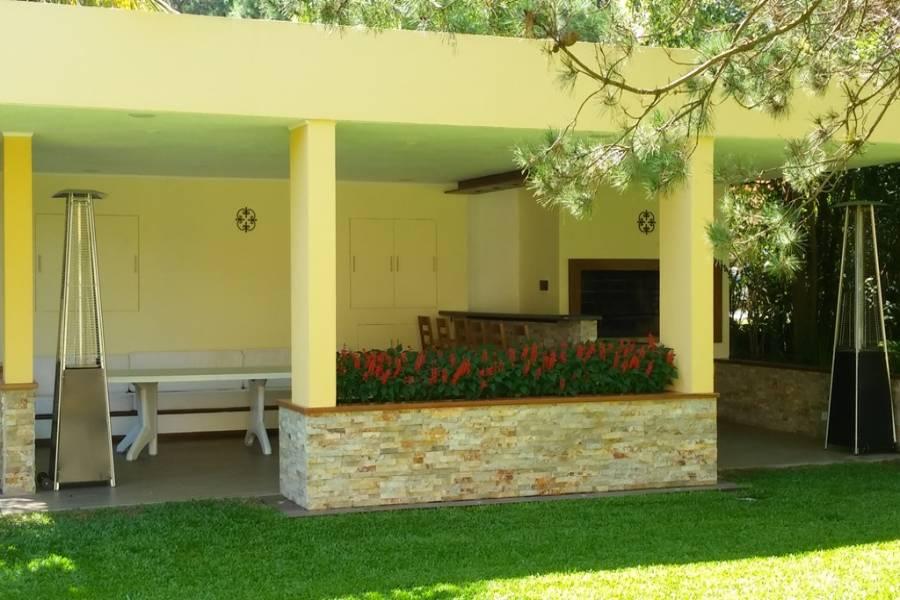 Punta del Este, Maldonado, Uruguay, 6 Bedrooms Bedrooms, ,5 BathroomsBathrooms,Casas,Temporario,41692