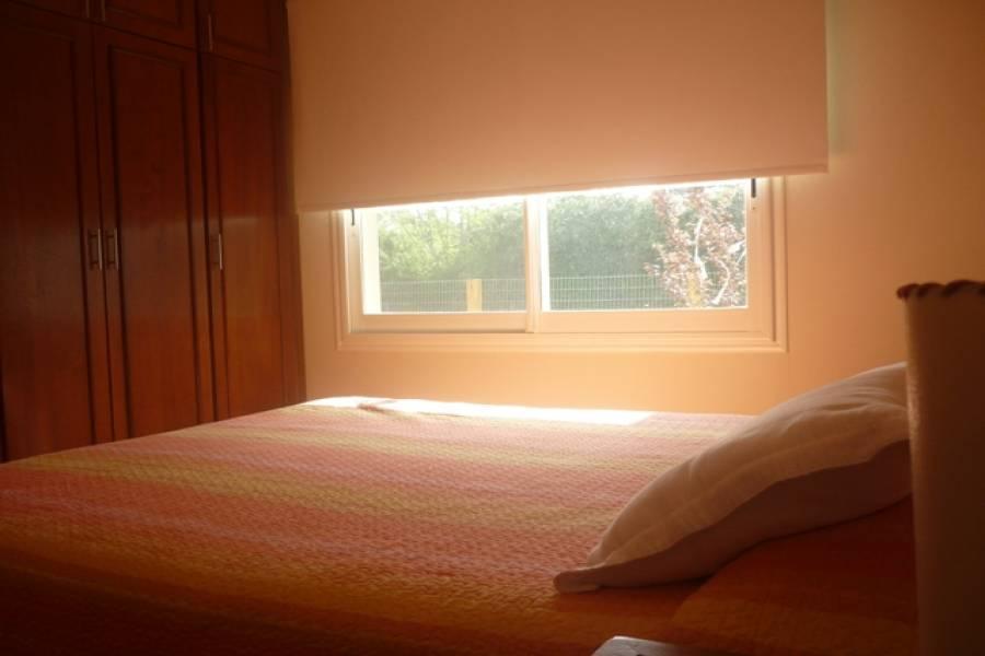 Punta del Este, Maldonado, Uruguay, 4 Bedrooms Bedrooms, ,2 BathroomsBathrooms,Casas,Temporario,41716