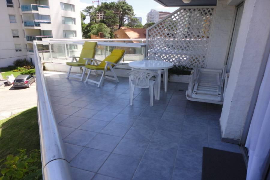 Punta del Este, Maldonado, Uruguay, 2 Bedrooms Bedrooms, ,2 BathroomsBathrooms,Apartamentos,Venta,41757
