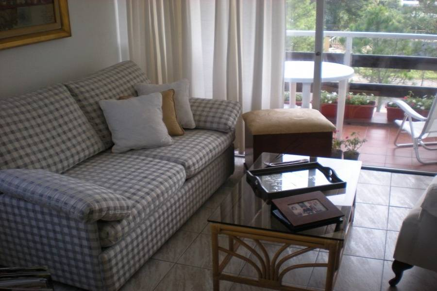 Punta del Este, Maldonado, Uruguay, 2 Bedrooms Bedrooms, ,2 BathroomsBathrooms,Apartamentos,Venta,41763