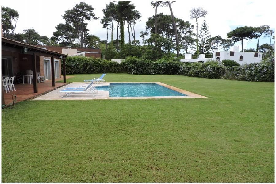 Punta del Este, Maldonado, Uruguay, 3 Bedrooms Bedrooms, ,3 BathroomsBathrooms,Casas,Venta,41771