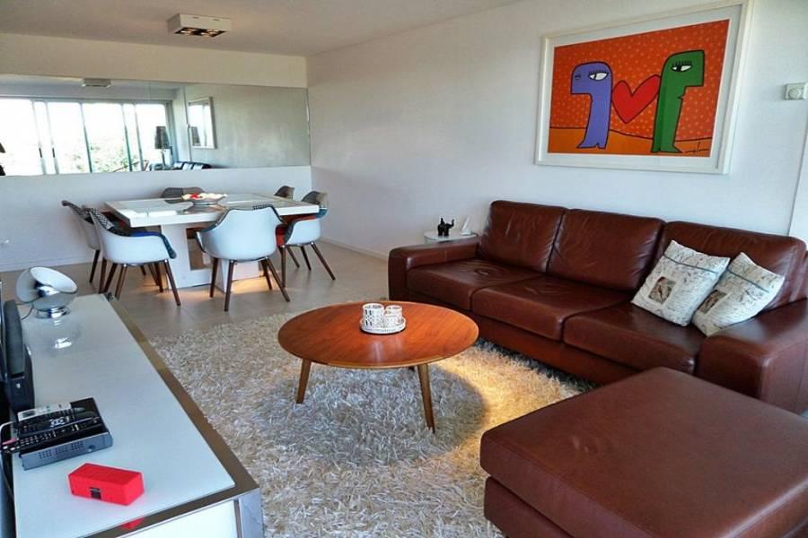 Punta del Este, Maldonado, Uruguay, 3 Bedrooms Bedrooms, ,2 BathroomsBathrooms,Apartamentos,Venta,41793