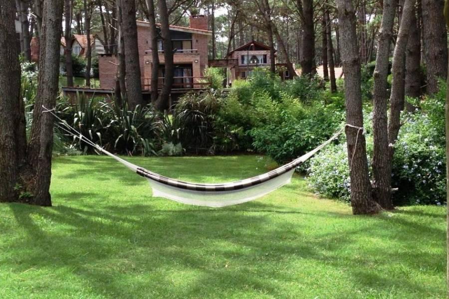 Punta del Este, Maldonado, Uruguay, 4 Bedrooms Bedrooms, ,2 BathroomsBathrooms,Apartamentos,Venta,41807