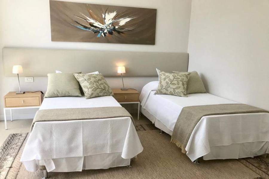Punta del Este, Maldonado, Uruguay, 4 Bedrooms Bedrooms, ,4 BathroomsBathrooms,Casas,Venta,41808
