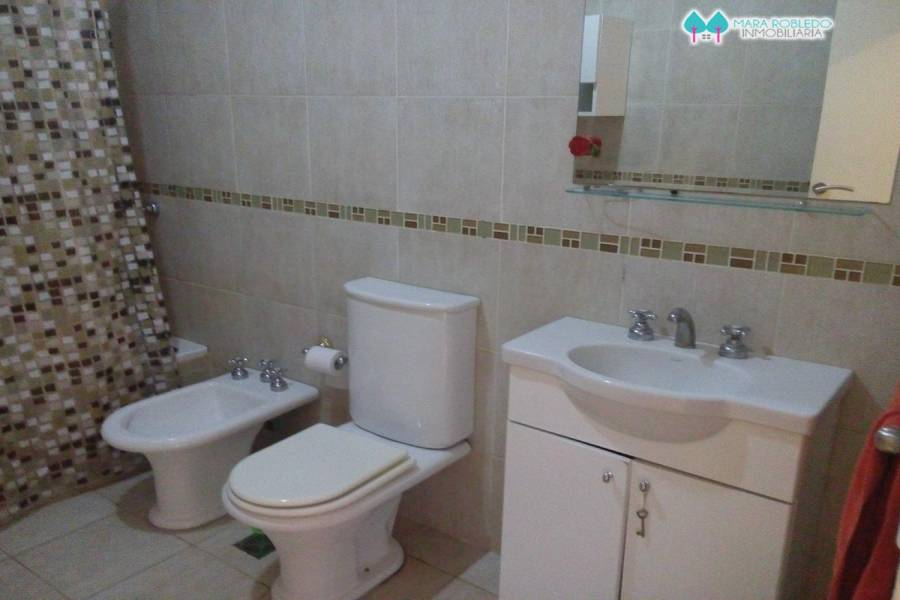 Ostende,Buenos Aires,Argentina,3 Bedrooms Bedrooms,2 BathroomsBathrooms,Casas,ROMERO ,4630