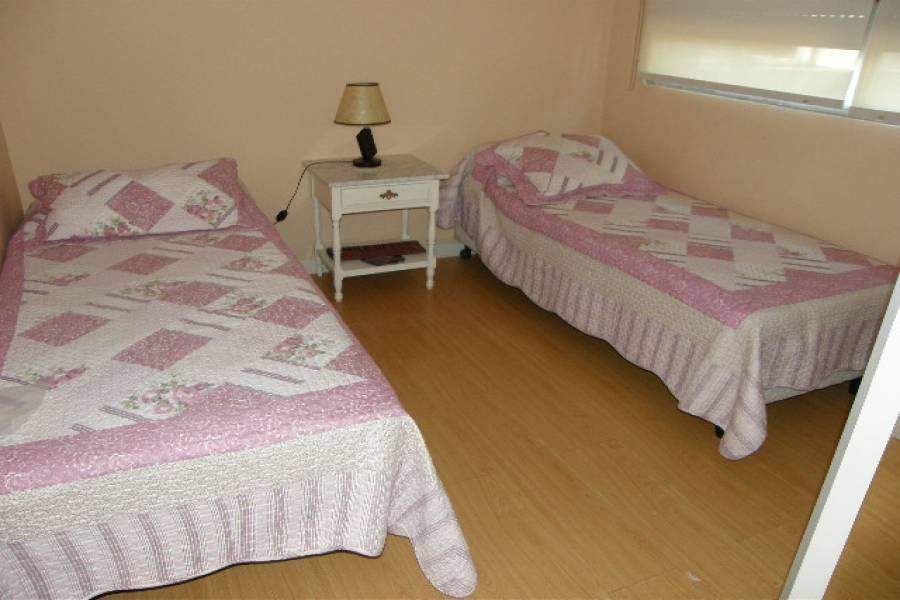 Punta del Este, Maldonado, Uruguay, 2 Bedrooms Bedrooms, ,1 BañoBathrooms,Apartamentos,Venta,41835