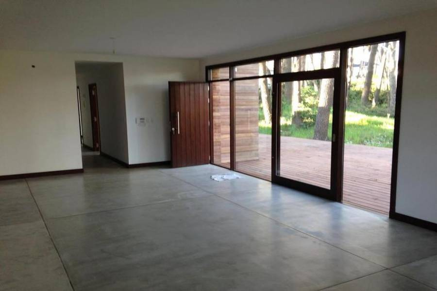 Maldonado, Uruguay, 3 Bedrooms Bedrooms, ,2 BathroomsBathrooms,Casas,Venta,41844