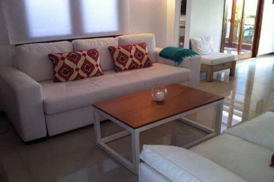 Maldonado, Uruguay, 3 Bedrooms Bedrooms, ,2 BathroomsBathrooms,Casas,Venta,41848