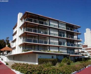 Punta del Este, Maldonado, Uruguay, 3 Bedrooms Bedrooms, ,2 BathroomsBathrooms,Casas,Venta,41856