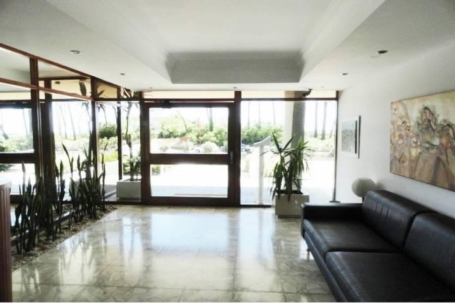 Punta del Este, Maldonado, Uruguay, 3 Bedrooms Bedrooms, ,2 BathroomsBathrooms,Apartamentos,Venta,41857