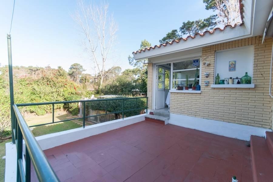 Punta del Este, Maldonado, Uruguay, 4 Bedrooms Bedrooms, ,3 BathroomsBathrooms,Casas,Venta,41874
