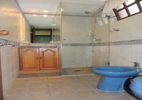 Punta del Este, Maldonado, Uruguay, 5 Bedrooms Bedrooms, ,4 BathroomsBathrooms,Casas,Venta,41933