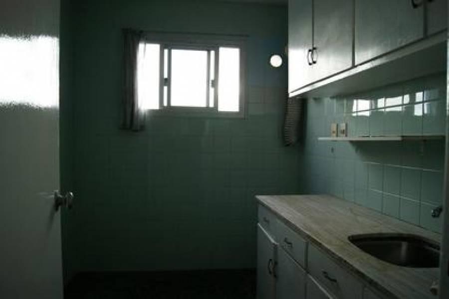 Punta del Este, Maldonado, Uruguay, 2 Bedrooms Bedrooms, ,1 BañoBathrooms,Apartamentos,Venta,41965