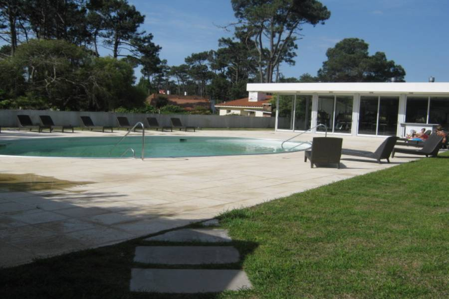 Maldonado, Uruguay, 3 Bedrooms Bedrooms, ,3 BathroomsBathrooms,Apartamentos,Venta,41990