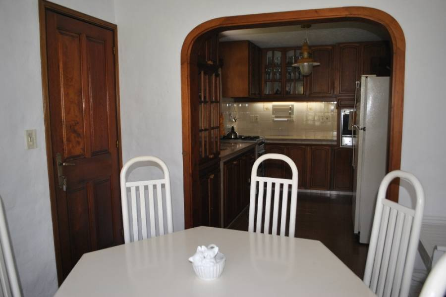 Maldonado, Uruguay, 4 Bedrooms Bedrooms, ,4 BathroomsBathrooms,Casas,Venta,42050