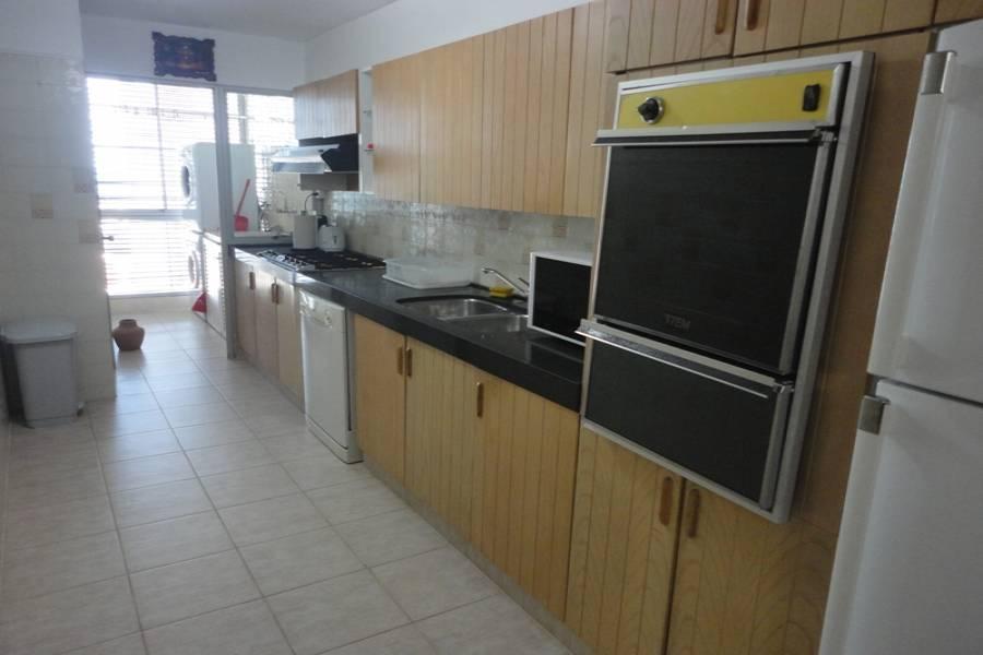 Punta del Este, Maldonado, Uruguay, 3 Bedrooms Bedrooms, ,2 BathroomsBathrooms,Apartamentos,Venta,42054