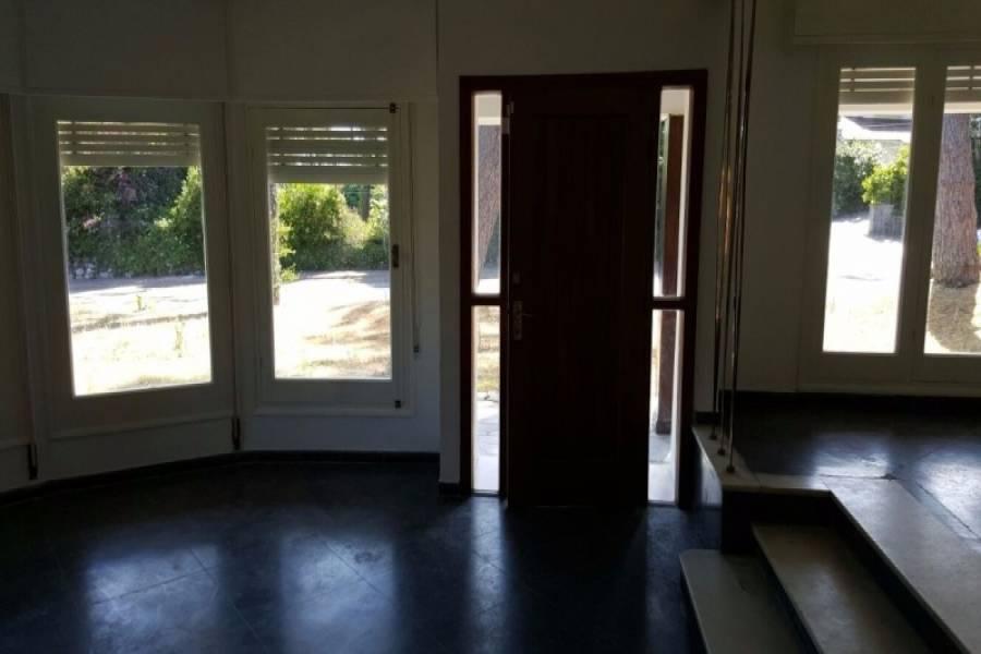 Punta del Este, Maldonado, Uruguay, 3 Bedrooms Bedrooms, ,2 BathroomsBathrooms,Casas,Venta,42056