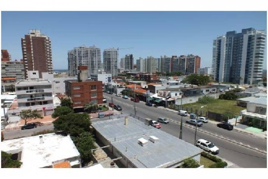 Punta del Este, Maldonado, Uruguay, 2 Bedrooms Bedrooms, ,2 BathroomsBathrooms,Apartamentos,Venta,42088
